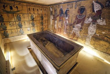 La tumba de Tuntankamón, también conocida como KV62