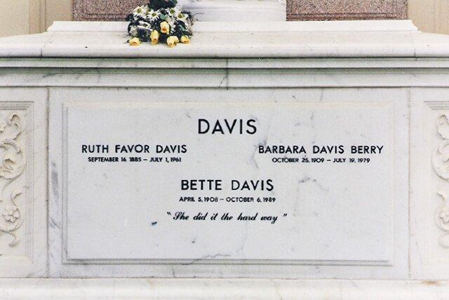 Lápida de Bette Davis
