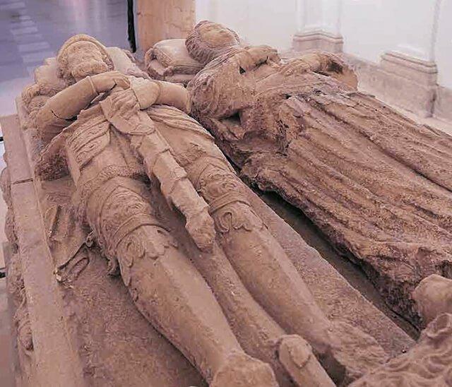 Tumba del Cid y de Jimena en el Monasterio de Cardeña